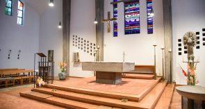 Maria Königin Altarraum
