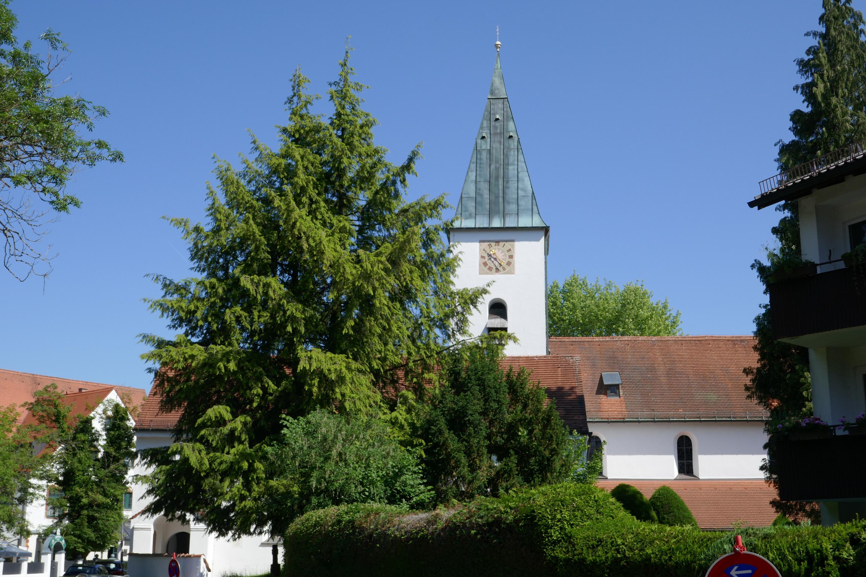 Pfarrkirche St. Peter und Paul Sommer