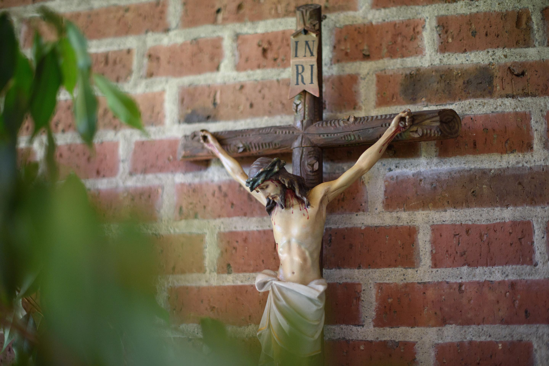 Kapelle Parkresidenz Helmine Held - Kreuz
