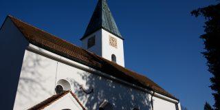 PP Pfarrkirche von Süden im Herbst